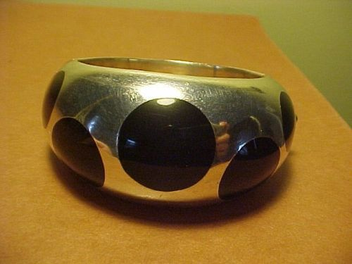 EARLY LOS BALLESTEROS STERLING BLACK BAKELITE POLKA DOT BANGLE