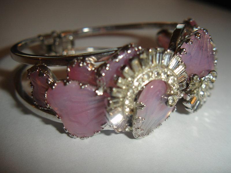 Hobe Mayorka Petals Clamper Bracelet ~ Pink Hearts