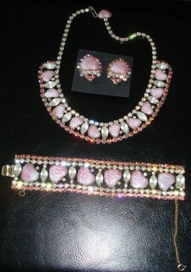 Hobe Slag Glass Mayorka Petals Heart Necklace Parure
