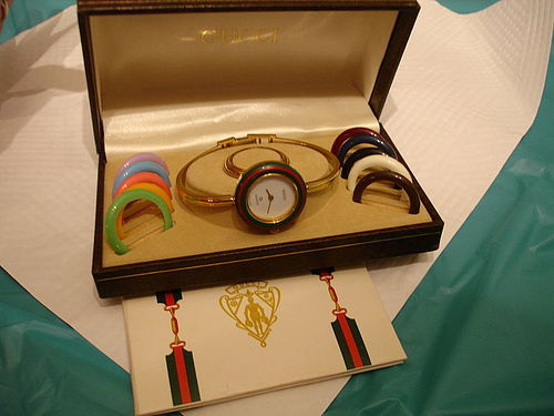 Authentic Gucci 1100 L Bangle Bracelet Watch with 12 Bezels