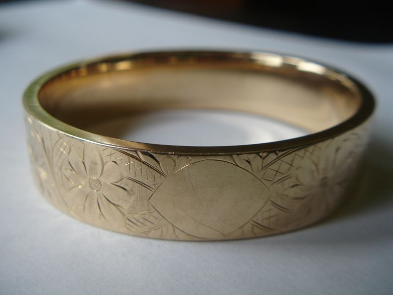 Heavy Victorian 14K Gold Bangle Bracelet 1917  33.5g