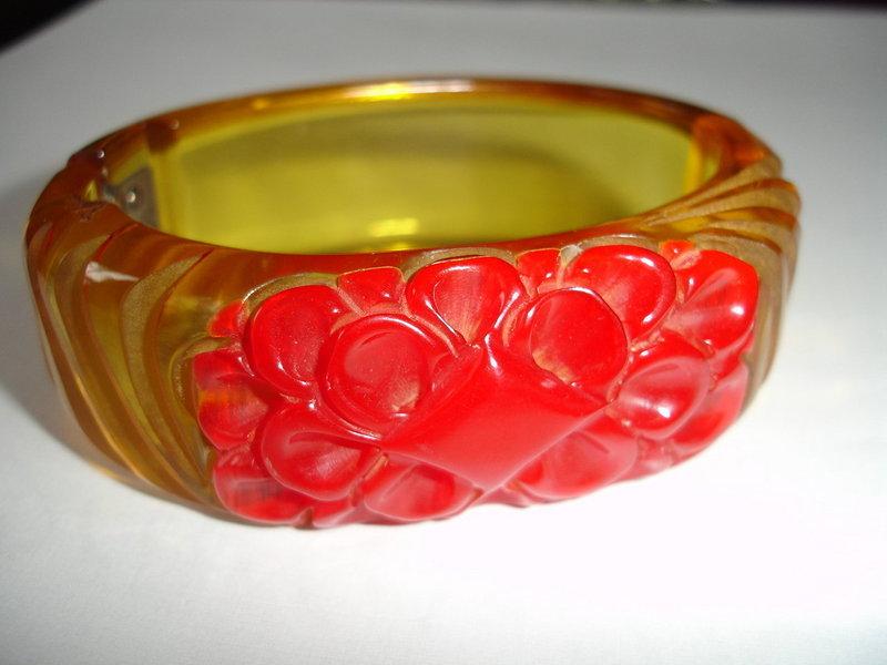 Vintage Carved Applejuice  Red Bakelite Bangle Bracelet