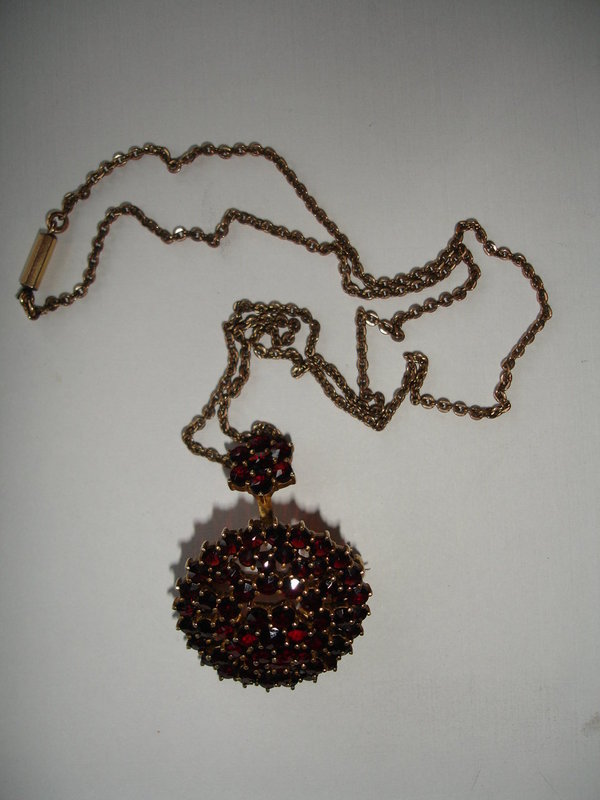 Bohemian Garnet Brooch / Pendant with Gold Chain