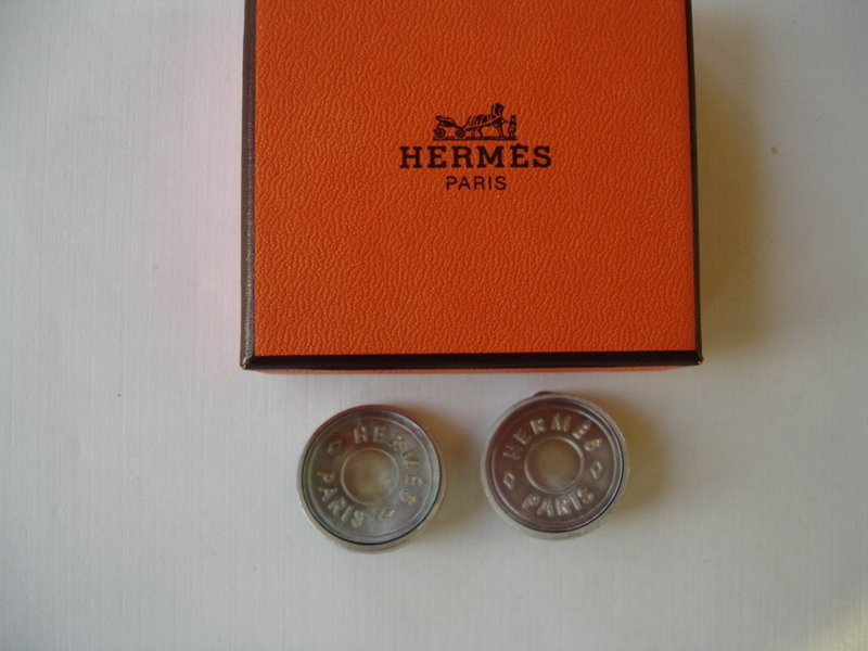 Hermes  Paris Fantaisie Mother of Pearl Earrings w/Box