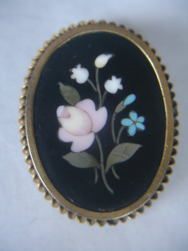 Victorian Pietra Dura Micro Mosaic Brooch in Gold