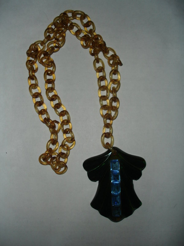 Art Deco Bakelite Pendant Celluloid Necklace ~ Changer