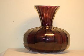 Victor Durand Amethyst glass vase C:1920
