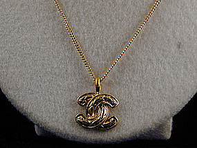 Chanel Necklace Quilted CC Logo