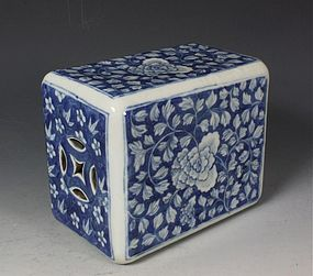 CHINESE BLUE AND WHITE PILLOW 19THC