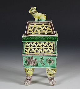 CHINESE FAMILLE VERTE BISCUIT CENSER 19THC