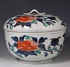 JAPANESE IMARI TUREEN AND COVER 18THC