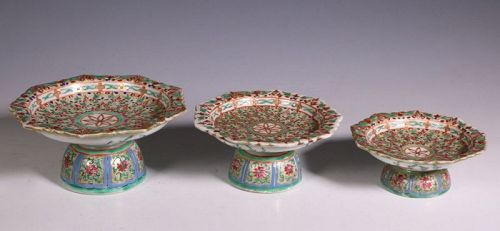 Set of Three Bencharong Serving Dishes 19thC