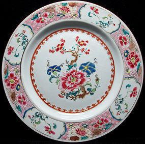 18TH C QIANLONG FAMILLE ROSE FLORAL PLATE