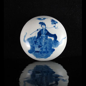 GUANGXU REPUBLIC BLUE AND WHITE FIGURAL PASTE BOX