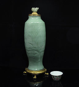 MING LONGQUAN CELADON INCISED VASE