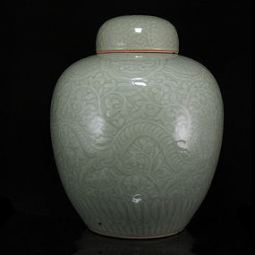 19TH C INCISED / CARVED CELADON DRAGON JAR & COVER
