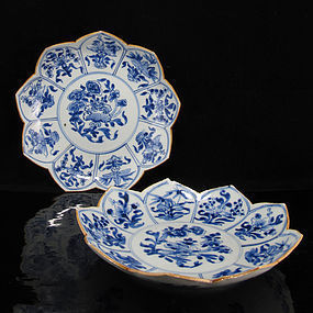PAIR KANGXI YONGZHENG BLUE AND WHITE LOBED LOTUS DISHES