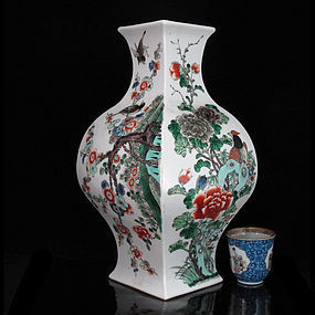 LATE QING REPUBLIC FAMILLE VERTE 'BIRDS' VASE