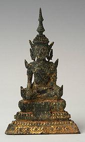 19th Century, Thai Gilt Bronze Seated Buddha