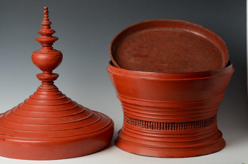 Large Burmese Wooden Lacqueredware