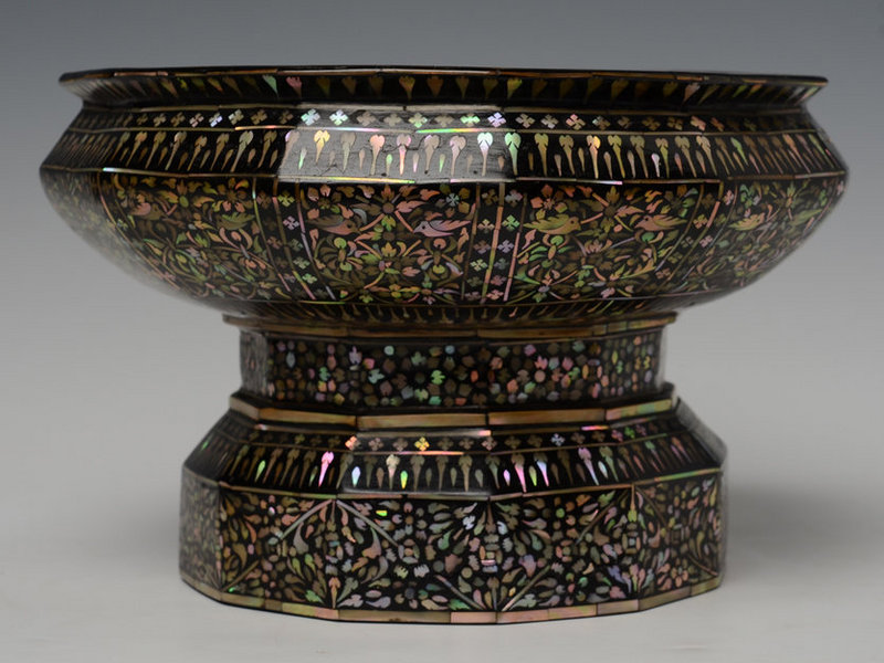 19th Century, Thai Mother of Pearl Offering Tray