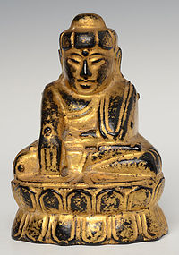 19th C., Mandalay, Burmese Wooden Seated Lotus Buddha