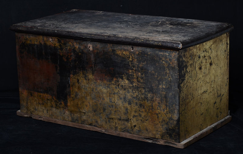 19th Century, Mandalay, Burmese Wooden Chest with Gilded Gold