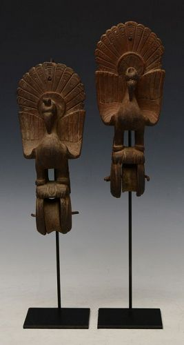 19th C., A Pair of Burmese Wooden Textile Tools in The Form of Peacock