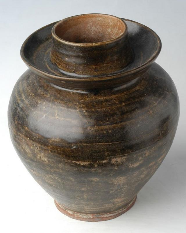 Sukhothai period, Nan Brown Glazed Jar