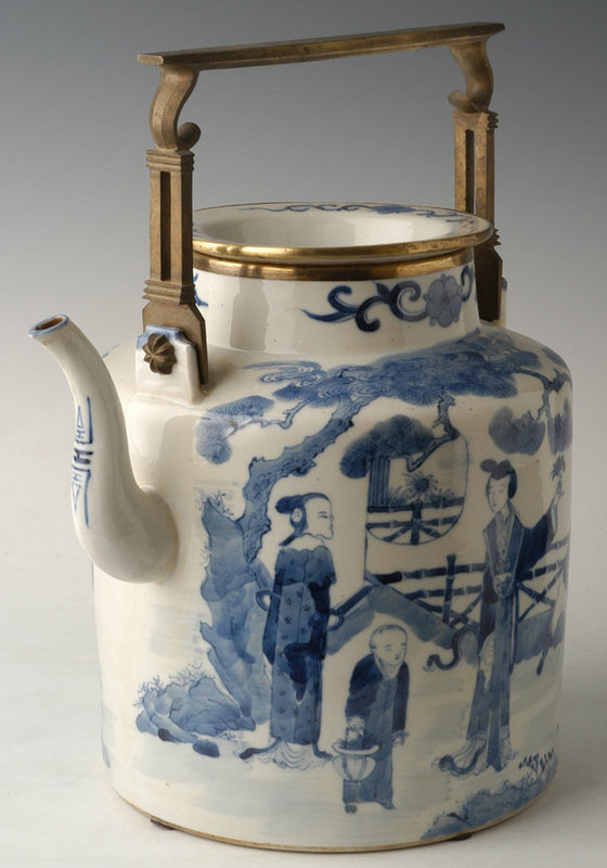 Large Chinese Qing Dynasty B & W Teapot w/ Garden Scene