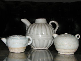 A group of three Qingbai water droppers. Song/Yuan per.