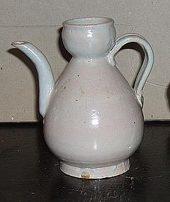 A Chinese Liao white glazed pottery ewer. Circa 10th c.
