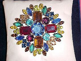 MAGNIFICENT MULTI COLOR RHINESTONE JEWELED LARGE PIN