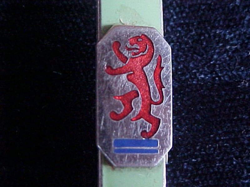 VINTAGE ENAMEL GOLF CLUB PIN STRATTON BIRMINGHAM