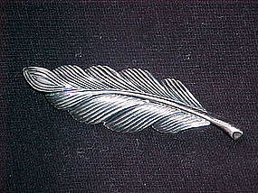 JEWELART STERLING SILVER FEATHER/PLUME PIN 1960's
