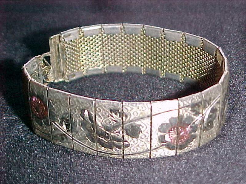 VINTAGE 1950's ETCHED FLORAL PANEL BRACELET