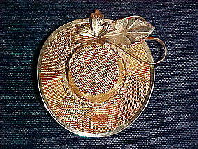 GOLD TONE LADIES HAT BROOCH 1960'S
