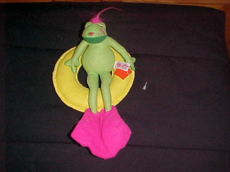 ANNALEE DOLL FLOATING FLO FROG CLOSED EYES