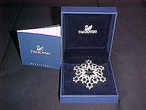 SWAROVSKI 2005 CHRISTMAS STAR SNOW FLAKE BROOCH