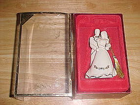LENOX BRIDE AND GROOM ORNAMENT 2002