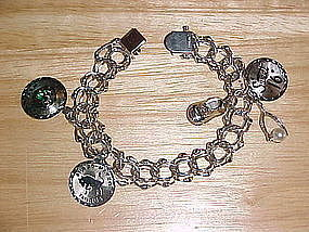 VINTAGE STERLING SILVER CHARM BRACELET W/ CHARMS