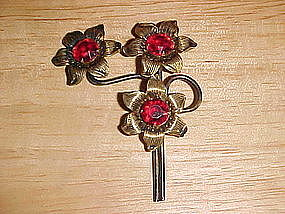 1950'S FLORAL PIN W/ 3 LARGE RUBY RED RHINESTONES