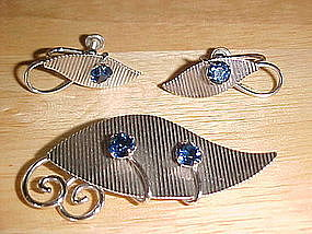 VAN DELL STERLING PIN & EARRINGS W/ BLUE RHINESTONES