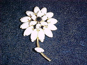 VINTAGE  WHITE & BLACK RHINESTONE FLOWER PIN