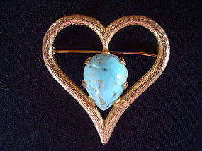 VOGUE JEWELRY GOLD TONED HEART BROOCH W/  TURQUOISE
