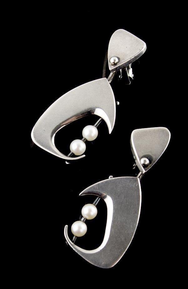 Janiye Modernist Sterling and Pearl Earrings Japan Boston
