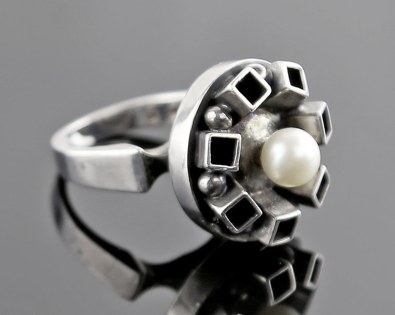 Israeli Modernist Sterling Ring with Pearl - Mid 20th Century
