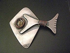 Ed Wiener Modernist Silver Abstract Fish Brooch w/Stone