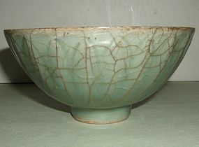 Southern Song Guan Type Celadon Longquan Tea Bowl