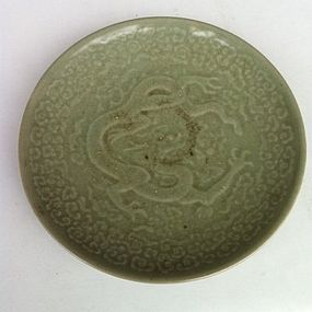 Chinese Qing Dynasty celadon dragon dish